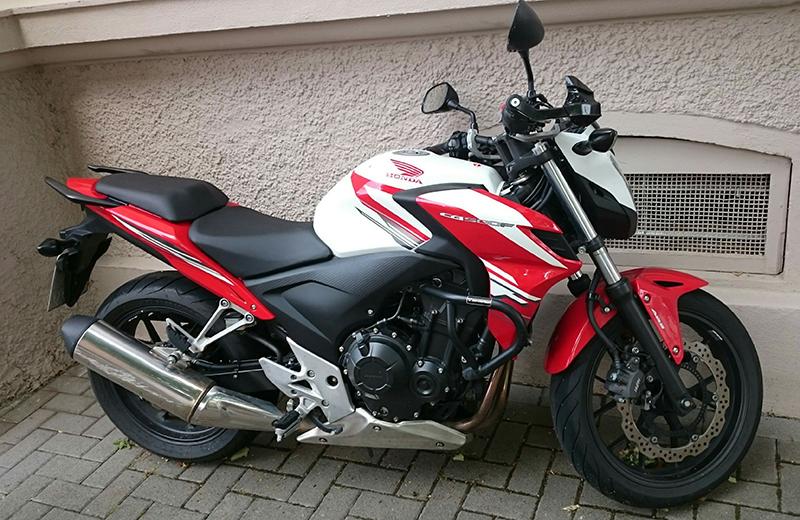Motorradführerschein Motorrad rot